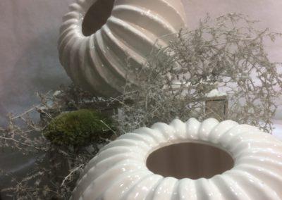 white-christmas-vase-cactus-round2
